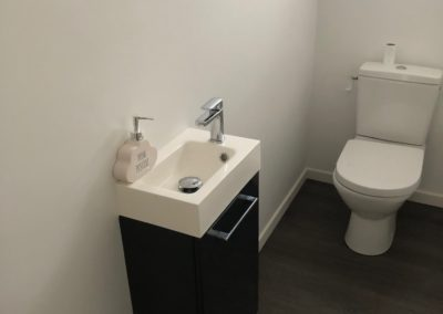 Peinture et changement du sol d'un toilette WC à Taissy, près de Reims